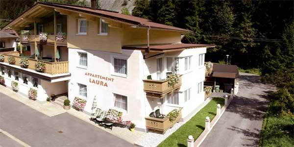 Goedkoop vakantieappartement Laura in Mayrhofen in Oostenrijk, voor grote gezinnen met 6 personen. Rustig gelegen.