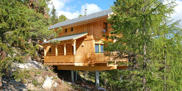 Prachtige luxe chalet in Oostenrijk voor grote gezinnen met 10 personen met whirlpool en sauna. Gelegen in het Murtal op het Alpenpark Turrach. Voor zomer én winter.