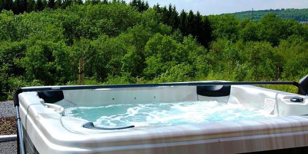 Luxe vakantiehuis voor 9 personen in durbuy belgische for Huisje met sauna en jacuzzi 2 personen