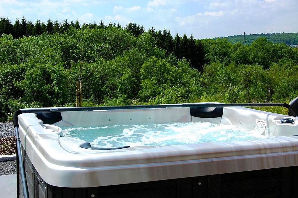 Luxe vakantiehuis voor 9 personen in durbuy belgische for Vakantiehuis met jacuzzi