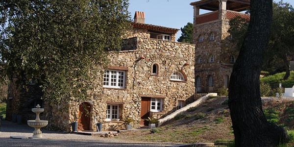Vakantiehuis Emponse in klein park Hameau les Claudins te Frankrijk, voor grote gezinnen met 6 personen - vakantiesvoorgrotegezinnen.nl