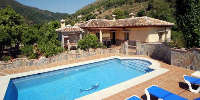 vrijstaand vakantiehuis met zwembad in spanjevakanties