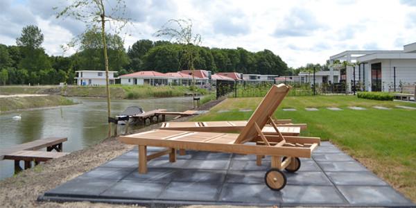 Luxe vakantievilla Bloem met eigen jacuzzi op golfresort. Geschikt voor grote gezinnen met 8 personen. vakantiesvoorgrotegezinnen.nl