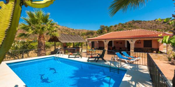 Villa Casa Paule Spanje vrijstaand zespersoons met zwembad via Vakantiesvoorgrotegezinnen.nl