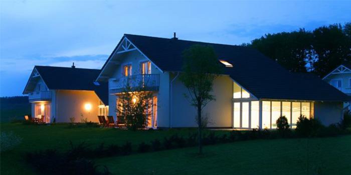 Luxe aqua plus vakantievilla met eigen wellnessvakanties for Huisje met sauna en jacuzzi 2 personen