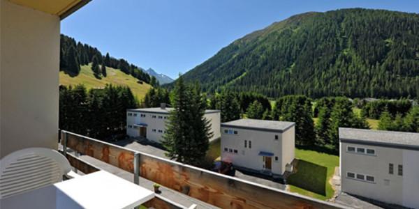 Een vakantie appartement n het 3* vakantiepark Solaria, gelegen in het mooie Davos, Zwitserland, voor grote gezinnen met 6 personen.
