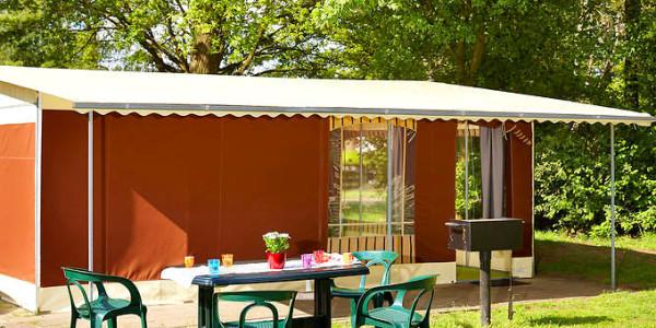Comfortabele ingerichte tent op Vakantiepark Beekse Bergen voor 5 personen