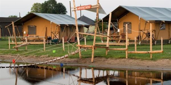 Glamping in Zuid-Holland op Farmcamps Stolkse Weide in luxe lodgetent of safaritent voor 6 personen - vakantiesvoorgrotegezinnen.nl