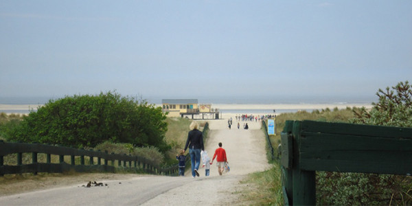 Mooi appartement voor grote gezinnen met 8 personen, op Schiermonnikoog, vlakbij het strand.- vakantiesvoorgrotegezinnen.nl