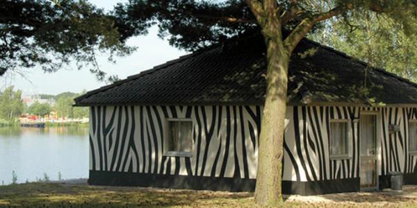 Libema Vakantiepark Beekse Bergen safari luxe jungalow voor 6 personen - vakantiesvoorgrotegezinnen.nl