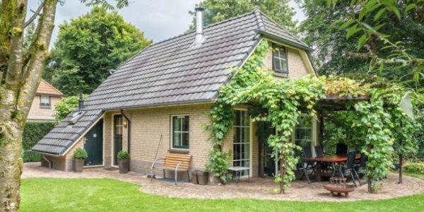 Vrijstaand vakantiehuis met grote tuin op de Veluwe voor grote gezinnen met 8 personen